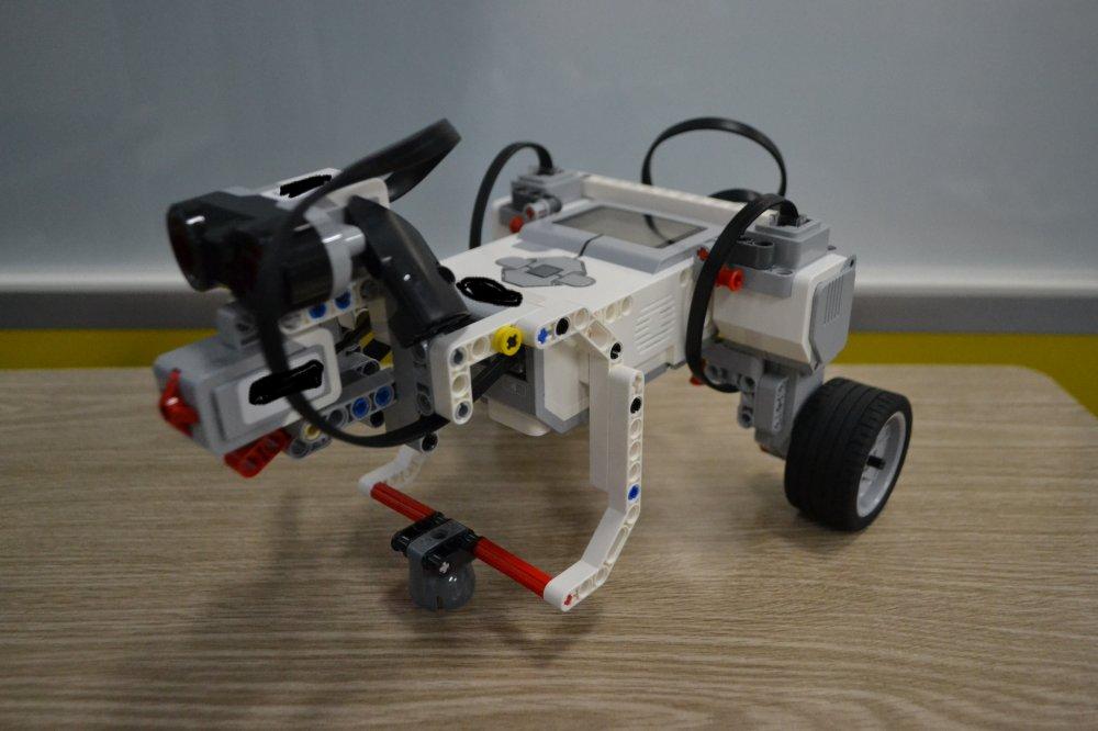 ロボット教室ふじみ野校でお散歩ができるペットロボットを作りました!