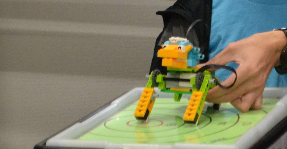 ロボット教室ふじみ野校で小学2年生の生徒さんによるロボット発表会を行いました!