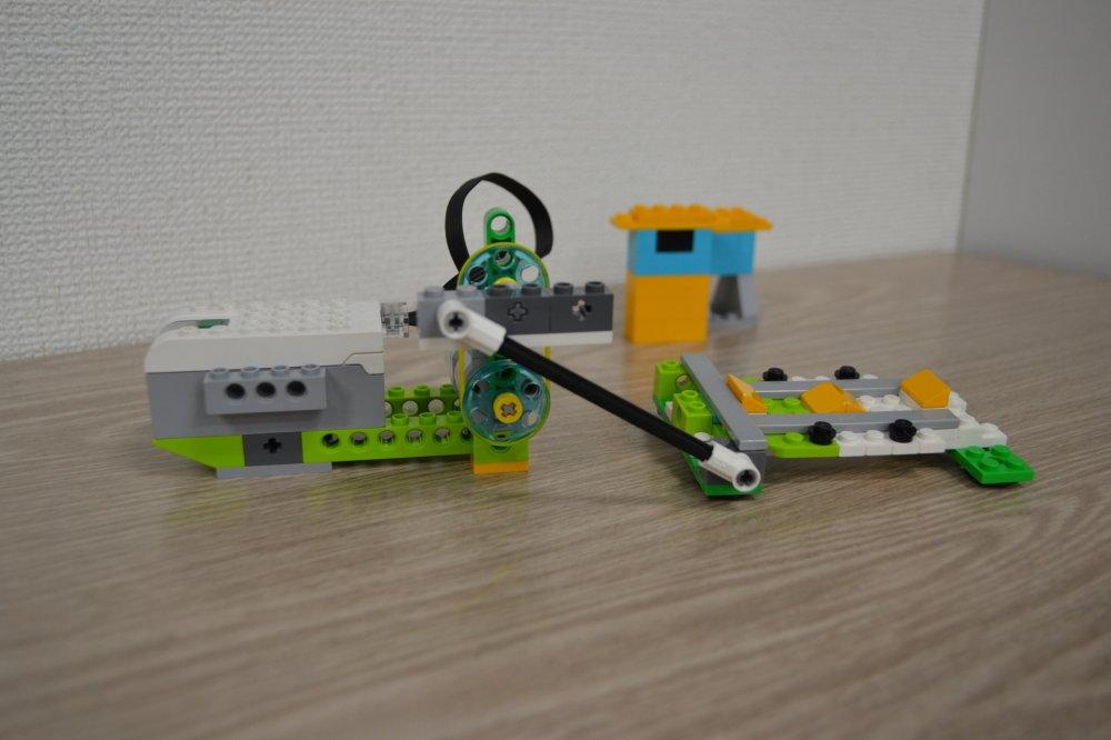 ロボット教室ふじみ野校で地震はっせいそうちをつかって実験を行いました!