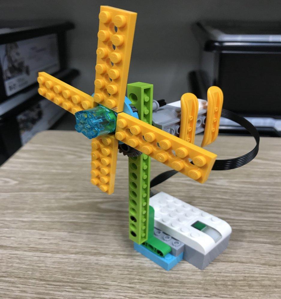 ロボットで身近な家電製品を再現!ロボット教室ふじみ野校でせんぷうきをつくりました!