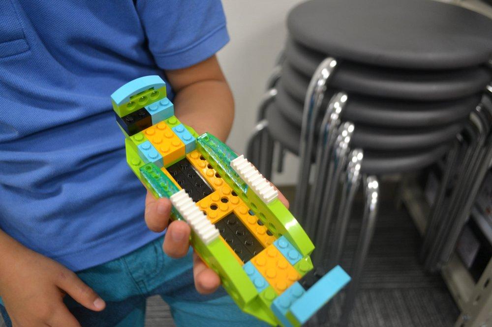 ふじみ野のロボット教室に通う生徒さんがふねを作ってくれました!ロボットづくりに必要なせっけい図をよみとろう!