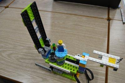 ロボット教室に川越から通ってくれている生徒さんがWeDo2.0でオルゴールを作ってくれました。
