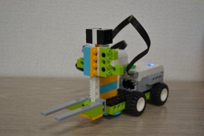 ロボット教室ふじみ野校に通う生徒さんがフォークリフトを作りました!