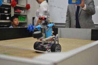 ふじみ野のロボット教室でダンスロボットの競技の発表会を行いました!